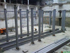 Металлические колонны при ремонте зданий